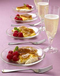 Party crème brûlée - via Mary Berry UK My Favorite Food, Favorite Recipes, Cake Recipes, Dessert Recipes, Delicious Desserts, Yummy Food, Brulee Recipe, Mary Berry, English Food