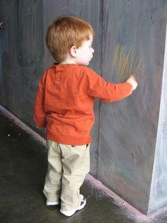 pour nettoyer du crayon sur  le mur, utilisez du dentifrice