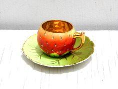 vintage bayruth strawberry | Vintage Miniature Tea Cup and Saucer, Vintage Royal Bayreuth, Vintage ...