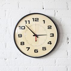 Vintage wall clock. I really need one of these.