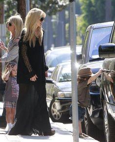 Rachel Zoe Photos - Pregnant celebrity stylist Rachel Zoe picking up her son Skyler from school in Beverly Hills, California on October 17, 2013. - Rachel Zoe Picks Up Skyler from School
