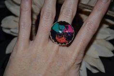 Ring gemalt aus Glas.