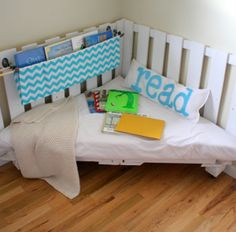 How-To Decorate with Pallets {15 Creative Ideas!} | Family, Food, Fun.