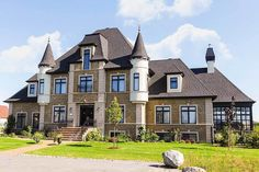 Dream Home Design, My Dream Home, Dream Homes, House Design, Tiny Homes, French Chateau Homes, Castle House Plans, Modern Castle House, Mansion Bedroom