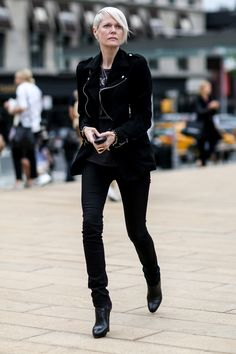 Kate Lanphear made the rounds in her signature all black.