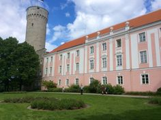 """See 265 photos and 9 tips from 1726 visitors to Toompea. """"Much smaller than Vanalinn has the best panoramic free and wonderful views of the old city. Old City, Old Things, Mansions, House Styles, Mansion Houses, Manor Houses, Fancy Houses, Palaces, Villa"""