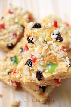 HESTI'S KITCHEN : yummy for your tummy: Kukis Kenari Fruit Mix