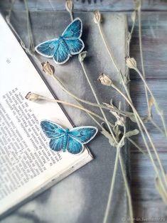 """Lycaenidae"" - Голубянка. Брошь – купить в интернет-магазине на Ярмарке Мастеров с доставкой - GD7EHRU   Сочи Dark Paradise, Polymer Clay Jewelry, Shades Of Blue, Turquoise Bracelet, Needlework, Jewerly, Insects, Delicate, Simple"