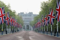 Jubilee - The Mall looking towards Admiralty Arch