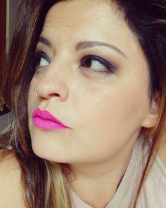 Smokey time  È tantissimo che non indosso uno smokey.. Poi adoro l'abbinamento marrone/rosa shocking  #makeup #makeup #makeupaddiction #makeupaddict #makeupinspiration #mua #makeuplover #istamakeup #istaphoto #blogging #follow #myblog #beautyblogger #bbloggers #smokeyeye #smokey #rosashocking  #vice4 #urbandecay #creamlipstain #sephora @sephoraitalia