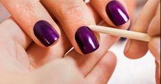 Truque para nunca precisar limpar o cantinho das unhas e ficar com esmalte perfeito   VC BELA Pedicure Nail Art, Nail Mania, Nail Art Designs, Nail Polish, How To Make, Beauty, Fall Nail Colors, Enamels, Manicure At Home