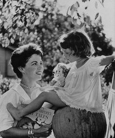 Shirley Temple with her daughter, Lori, in Atherton, California, in 1957