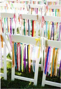 Trauungen im Freien, Stühle mit Bändern verzieren, Hochzeit