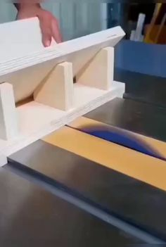 Woodworking Projects That Sell, Woodworking Techniques, Woodworking Crafts, Woodworking Tools, Woodworking Magazine, Building Drawers, Wood Edging, Serra Circular, Wood Joints
