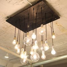 Gorgeous chandelier.  Would love this over my kitchen island.