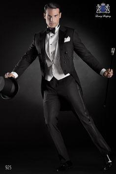 Traje de novio frac italiano a medida negro en tejido ligero new performance con solapa pico, modelo 925 Ottavio Nuccio Gala colección Black Tie 2015.