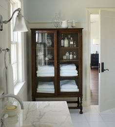 Modern Home Decor 40 Ways to Decorate with Antique Furniture in the Bathroom - The Glam Pad.Modern Home Decor 40 Ways to Decorate with Antique Furniture in the Bathroom - The Glam Pad Cabinet Furniture, Bathroom Furniture, Antique Furniture, Rustic Furniture, Furniture Legs, Garden Furniture, Furniture Design, Modern Furniture, Outdoor Furniture