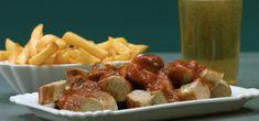 Currywurst wie von der Frittenbude eures Vertrauens? Kein Problem dank unserer Currywurst-Soße. Entscheidend ist hier das Tomatenketchup. Ihr werdet begeistert sein!