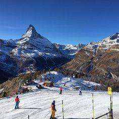 #travelingtheworld #travelingtheworldd #breathtakingview #mountain_world #zermatt #zermattswitzerland #tobleronemountain #matterhorn #swiss #swissalps #swissmountain #holiday #skiing #ski #skibeginner #breathtakingview #traveltheworld #travelgram #travelpics #goneoutdoors
