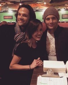 J2 in Chicago with a fan, Oct. 2015