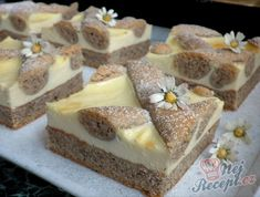 Ořechový mřížkový koláč s tvarohem | NejRecept.cz Sweet Recipes, Cake Recipes, Czech Recipes, Food Cakes, Sweet Cakes, Something Sweet, Creative Cakes, Plated Desserts, Thing 1