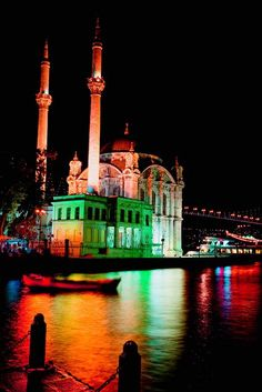 Night view at Ortaköy Mosque in Istanbul, Turkey Beautiful World, Beautiful Places, Amazing Places, Places To Travel, Places To See, Places Around The World, Around The Worlds, Mosque Architecture, Foto Blog