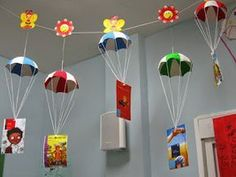 Kindergarten Classroom Decor, Art Classroom, Library Displays, Classroom Displays, Craft Stick Crafts, Paper Crafts, Diy Crafts, Art For Kids, Crafts For Kids