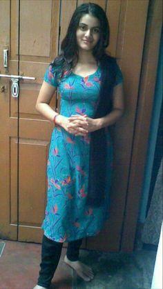 Beautiful Muslim Women, Beautiful Girl Indian, Most Beautiful Indian Actress, Beautiful Girl Image, Beautiful Actresses, Indian Dresses For Women, Indian Girls Images, Indian Teen, Beauty Full Girl