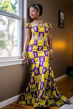 Dearest Lovebirds, What a way to style yourselves with Kente combined with Velvet? Have you seen people dress gorgeously with Kente and Velvet? Trust us, we know what makes you look cute. African Inspired Fashion, African Dresses For Women, African Print Fashion, Africa Fashion, African Attire, African Wear, African Fashion Dresses, African Women, African Prints