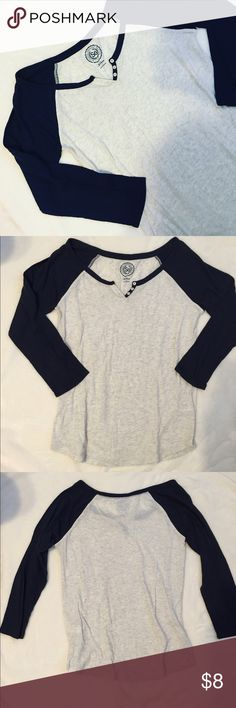 Baseball Quarter Length Tee This quarter length tee has navy blue sleeves and an oatmeal color body. It is a women's medium. Offers are welcome! So  Tops