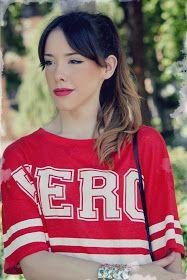 La vie en Rouge : HERO t-shirt! White Keds, T Shirt, Sports, Tops, Fashion, Supreme T Shirt, Hs Sports, Moda, Tee Shirt