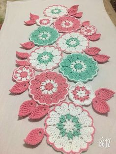 Table Runners, Crocheting, Blanket, Knitting, Handmade, Crochet Doilies, Railings, Paths, Rugs