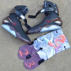 "Nike Air Mag ""Black Mag"" Custom for Joe Haden Casual Sneakers, Sneakers Fashion, Fashion Shoes, Mens Fashion, Nike Free Shoes, Nike Shoes Outlet, Nike Air Mag, Basket Sneakers, Kicks Shoes"