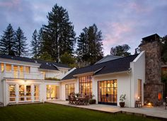 "I love L-shaped homes (and U-shape), which make the outdoor living areas feel secluded. Like a ""hug"". Houzz Photo"