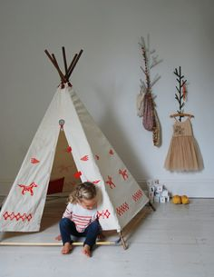 Teepee - Illustrations-lina moysis - from: http://tabithaemma.com/feathers_triangles/