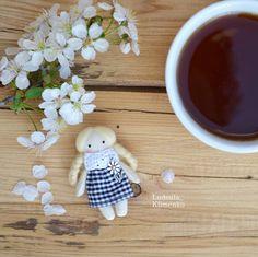 15 отметок «Нравится», 1 комментариев — Людмила Клименко (@ludmila_klimenko) в Instagram: «Доброе пятничное утро ☕🐝🌸🌸🌸!!!! Впереди вторая волна майских выходных😄,все готовы? Нам…»