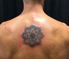 tatouage dos ce tattoo que je ne saurais voir. Black Bedroom Furniture Sets. Home Design Ideas