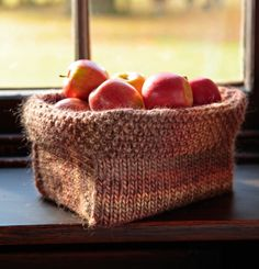 knitted basket-- an anyone knit this for me? Thinking would be great to carry eggs in from hen house
