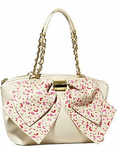 In love with this Betsey Johnson satchel!