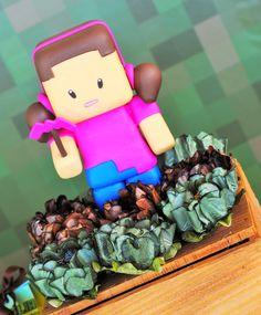 Festa Minecraft para comemorar os 12 anos da Natália e 7 anos do Mateus              bolo fake        porquinho e TNT     vidro com bala ...