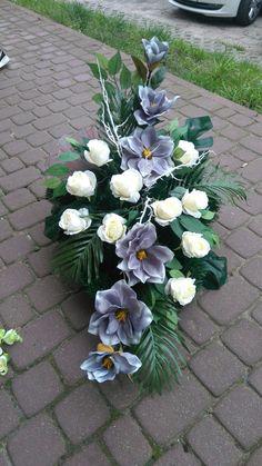 Funeral Flower Arrangements, Funeral Flowers, Floral Arrangements, Square Wreath, Casket Sprays, Cemetery Flowers, Arte Floral, Real Flowers, Ikebana