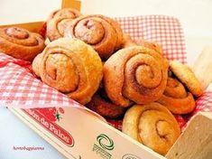 Kakukkfű: Fahéjas mini csigák Tündi lisztjéből (diabetikus) Snack Recipes, Snacks, Minion, Almond, Paleo, Food, Snack Mix Recipes, Appetizer Recipes, Appetizers
