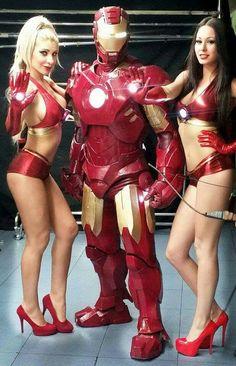 Iron Man y bailarinas