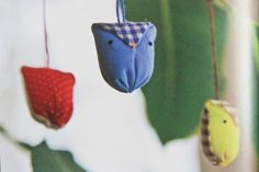 Owlies. Would make an adorable mobile for the kiddos or cute ornaments for the holidays. Mixing and matching fabrics. SO fun.