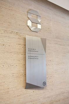 Bentuk - Allianz Tower