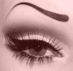 not crazy about those eyebrows, but I love her eye makeup! Beauty Art, Beauty Makeup, Eye Makeup, Beauty Hacks, Hair Makeup, Hair Beauty, Prom Makeup, Makeup Tips, Dramatic Wedding Makeup
