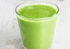 Para quem gosta da bebida, o suco verde também é ótimo para levantar os ânimos, repleto de nutrientes essenciais para o corpo.