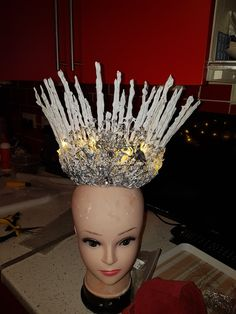 Craft Items, Crown, Crafts, Jewelry, Corona, Manualidades, Jewlery, Jewerly, Arts And Crafts