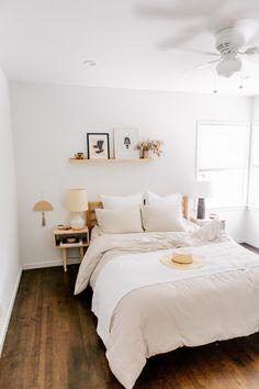 Bedroom inspo, modern bedroom, home decor bedroom, bedroom furniture, natur Home Decor Bedroom, Bedroom Furniture, Bedroom Ideas, Bedroom Plants, Bedroom Inspo, Bedroom Designs, Bedroom Inspiration, Bedroom Artwork, Bedroom Rustic