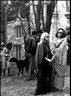 "Grayson Hall and Nancy Barrett on the set of ""Night of Dark Shadows"" (1971)"